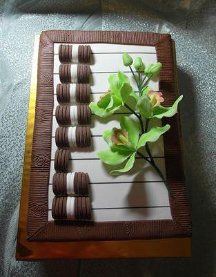 Доставка торта в офис в Киеве от Флора-Сакура